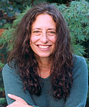Author photo. Joyce Ravid