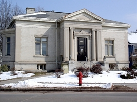 A photograph of the Enfield (CT) Public Library in the wintertime