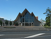 Author photo. Holy Trinity Cathedral, Auckland, New Zealand.  Photo by user Gadfium / Wikimedia Commons