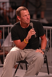 Author photo. Lance Armstrong answers questions from children and teens during the 35th-annual Registers Annual Great Bike Ride Across Iowa in Spencer, Iowa, July 22, 2007. (U.S. Air Force photo by Airman 1st Class Joanna M. Kresge) (cropped)