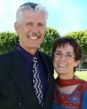 Author photo. Neta Jackson with her husband and frequent co-author Dave Jackson
