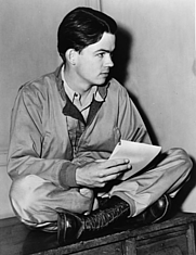 Author photo. World Telegram photo by Fred Palumbo, 1945 (Library of Congress Prints and Photographs Division, LC-USZ62-127496)
