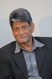 """Author photo. Indian writer Kiran Nagarkar at the bookfair of Leipzig 2013 By Amrei-Marie - Own work, CC BY-SA 3.0, <a href=""""https://commons.wikimedia.org/w/index.php?curid=25176753"""" rel=""""nofollow"""" target=""""_top"""">https://commons.wikimedia.org/w/index.php?curid=25176753</a>"""