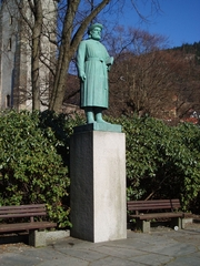 Author photo. Statue of Snorri Sturluson by sculptor Gustav Vigeland, in Bergen, Norway. An identical statue was erected at Reykholt, Iceland.  Source: Own work Date: 27 March 2007 Author: Barend
