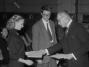 Author photo. Ellen Warmond (left) receiving the Reina Prinsen Geerligsprijs in 1953 (pictured with Remco Campert) [credit: J.D. Noske / Anefo; source: Nationaal Archief; grabbed from Wikimedia Commons]
