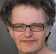 Author photo. flickr user <a href=&quot;http://www.flickr.com/photos/alexvernon/&quot;>Alex Vernon</a><br>(cropped by uploader)