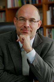 Author photo. Dieter Bingen