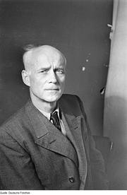 Author photo. Theodor Plievier - July 1946 Credits - Fotographer: Pisarek, Abraham Owner - Deutsche Fotothek