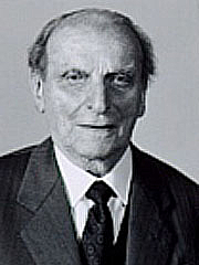 Author photo. <a href=&quot;http://it.wikipedia.org/wiki/File:Norberto_bobbio.jpg&quot; rel=&quot;nofollow&quot; target=&quot;_top&quot;>http://it.wikipedia.org/wiki/File:Norberto_bobbio.jpg</a>