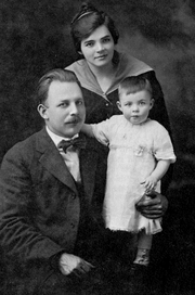 """Author photo. M.R. DeHaan, young physician with family, c. 1917 By Unknown photographer - James R. Adair, M. R. DeHaan, the Man and His Ministry (Grand Rapids: Zondervan, 1969), 52, Public Domain, <a href=""""//commons.wikimedia.org/w/index.php?curid=27239065"""" rel=""""nofollow"""" target=""""_top"""">https://commons.wikimedia.org/w/index.php?curid=27239065</a>"""