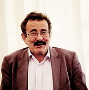 "Author photo. By Materialscientist - <a href=""//commons.wikimedia.org/wiki/File:Robert_Winston_2011.jpg"" rel=""nofollow"" target=""_top"">https://commons.wikimedia.org/wiki/File:Robert_Winston_2011.jpg</a>, CC BY-SA 2.0, <a href=""//commons.wikimedia.org/w/index.php?curid=67869511"" rel=""nofollow"" target=""_top"">https://commons.wikimedia.org/w/index.php?curid=67869511</a>"