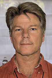 """Author photo. Journalist John Vaillant at the 2015 Texas Book Festival. By Larry D. Moore, CC BY-SA 4.0, <a href=""""https://commons.wikimedia.org/w/index.php?curid=44599458"""" rel=""""nofollow"""" target=""""_top"""">https://commons.wikimedia.org/w/index.php?curid=44599458</a>"""