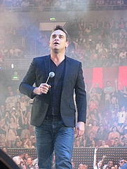 Author photo. Robbie Williams by Wikipedia Creative Commons Attribution 2.0 Generic license (Jeanie Mackinder)