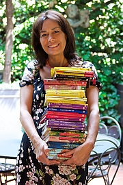 "Author photo. Dami with a few Geronimo Stilton books By Andrea Costa - Creative Director - Own work, CC BY-SA 4.0, <a href=""//commons.wikimedia.org/w/index.php?curid=63310965"" rel=""nofollow"" target=""_top"">https://commons.wikimedia.org/w/index.php?curid=63310965</a>"