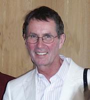 Author photo. Portrait Prof. Dr. Rainer Kuhlen, University of Konstanz