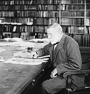Author photo. 1904 photograph (LoC Prints and Photographs Division, LC-USZ62-103958)