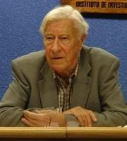 Author photo. Jean-Claude Filloux en 2009 lors d'une conférence sur Émile Durkheim à l'Institut de recherche juridique de l'UNAM (Université Nationale Autonome de Mexico)