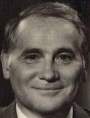 """Author photo. Ivan Cloulas au début des années 70 sur le dos de la couverture de son livre """"Sur la trace des Dieux"""""""