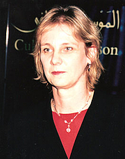 Author photo. Dr. Susan Stronge, Senior Curator, Asian Department, Victoria and Albert Museum (Uncredited photograph copied from the web site of the Sikh Art &amp; Film Foundation <a href=&quot;http://www.sikharts.com/gala2008_award_stronge.html&quot; rel=&quot;nofollow&quot; target=&quot;_top&quot;>here</a>)