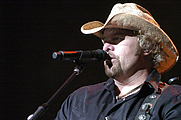 Author photo. Toby Keith in concert near Washington, D.C. <br>after receiving the Department of the Navy <br>Superior Public Service Medal, Oct. 7, 2006 <br>(U.S. Navy Photo by Mass Communication Specialist 2nd Class Rebekah Blowers, DN-SD-07-26436)