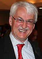 Author photo. Günter Bischof [credit: Austria-Forum]