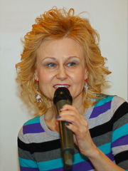 """Author photo. Darya Dontsova during her autograph session in Moscow, 2011. By A.Savin (Wikimedia Commons · WikiPhotoSpace) - Own work, CC BY-SA 3.0, <a href=""""//commons.wikimedia.org/w/index.php?curid=14322523"""" rel=""""nofollow"""" target=""""_top"""">https://commons.wikimedia.org/w/index.php?curid=14322523</a>"""