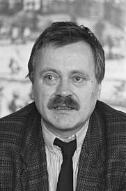 Author photo. Willem Wilmink in 1988 [credit: Anefo / Croes, R.C.; source: Nationaal Archief Fotocollectie Anefo (via Wikipedia)]