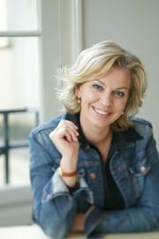 Author photo. Annejet van der Zijl - Photo: Anja van Wijgerden