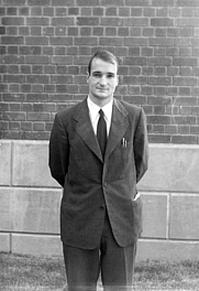 Author photo. Richard N. Thomas in 1948 [credit: University of Chicago Photographic Archive, apf6-04388, Special Collections Research Center, University of Chicago Library]