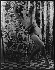 Author photo. Anton Dolin, in Espagnole, photo by Carl Van Vechten, Oct. 9, 1940 (Library of Congress, Prints & Photographs Division, Carl Van Vechten Collection, Digital ID: van 5a51925)