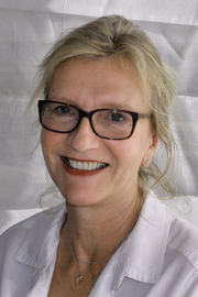 Author photo. Author Elizabeth Strout at the 2015 Texas Book Festival. By Larry D. Moore, CC BY-SA 4.0, <a href=&quot;https://commons.wikimedia.org/w/index.php?curid=44665615&quot; rel=&quot;nofollow&quot; target=&quot;_top&quot;>https://commons.wikimedia.org/w/index.php?curid=44665615</a>