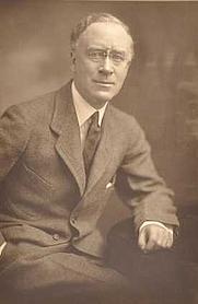 Author photo. Charles Macomb Flandrau [credit: Golling Studio, 1917; source: Minnesota Historical Society]