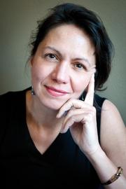 Author photo. Elisabeth Leijnse Foto ©Patricia Börger