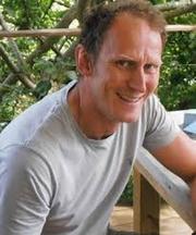 Author photo. authorsalouduk.co.uk