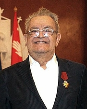 Author photo. Fazil Iskander in Kremlin, 2010 By Kremlin.ru, CC BY 4.0, <a href=&quot;https://commons.wikimedia.org/w/index.php?curid=39522631&quot; rel=&quot;nofollow&quot; target=&quot;_top&quot;>https://commons.wikimedia.org/w/index.php?curid=39522631</a>