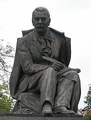 Author photo. Statue of Pavol Országh Hviezdoslav, Bratislava.  Photo by Jozef Kotulič / Wikimedia Commons.
