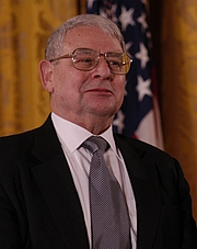 Author photo. Riccardo Giacconi receiving the 2003 National Medal of Science. Source: Wikipedia