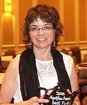 Author photo. Leslie Budewitz/photo by Deborah Lacy
