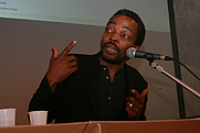 Author photo. By lettera27 - Festivaletteratura '07. Wikiafrica workshops, CC BY-SA 2.0, <a href=&quot;https://commons.wikimedia.org/w/index.php?curid=10580478&quot; rel=&quot;nofollow&quot; target=&quot;_top&quot;>https://commons.wikimedia.org/w/index.php?curid=10580478</a>