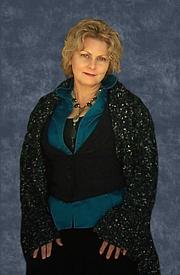 Author photo. Author, Faith Hunter