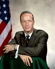 Author photo. Portrait of Astronaut Scott Carpenter. Image ID: S64-34357, NASA Photograph