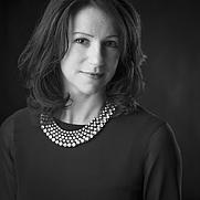 Author photo. Hazel Gaynor