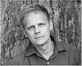 Author photo. Gordon Weiss, author of <i>The Cage</i>