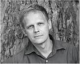 Author photo. Gordon Weiss, author of <i>The Cage</i>