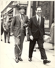 Author photo. Kenneth Snowman (r.) with Bing Crosby, from <a href=&quot;http://www.wartski.com/about2.htm&quot; rel=&quot;nofollow&quot; target=&quot;_top&quot;>Wartski.com</a>