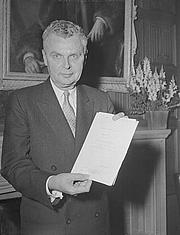 Author photo. Duncan Cameron (1958)