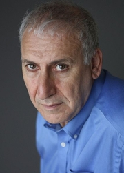 Author photo. Edward Hirsch [credit: Michael Lionstar]