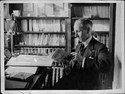 Author photo. Jean Jules Verne at the library in Rouen, 1931 / Photo © <a href=&quot;http://www.bildarchivaustria.at&quot;>ÖNB/Wien</a>