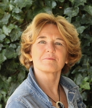 Author photo. Loes den Hollander