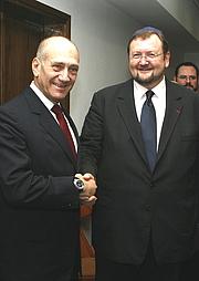 Author photo. Israels Premierminister Ehud Olmert mit Rabbiner Walter Homolka